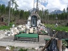Památníček horolezcům ve Vyšných Hágách